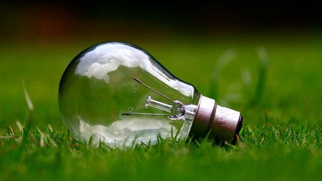 Al bando le lampadine alogene dal settembre solo led